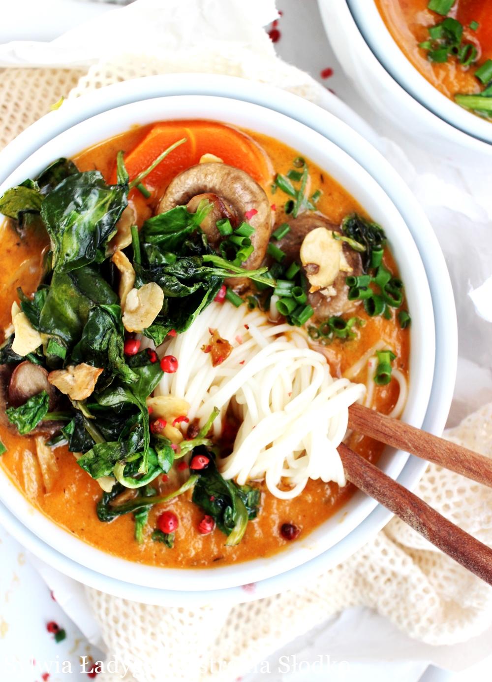 grzyby, krem , marchew , zupa jesienna , zupa krem , jesienne zupy , zupa dyniowa , zupa pomidorowa , zupa z dyni , zupa ze szpinakiem , zupa pomidorowa z makaronem , ostra na slodko , sylwia ladyga ,, blog kulinarny , blog z przepisami ,a najlepszy blog 2020